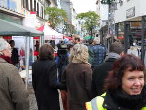 Unsere MP Malu Dreyer beim Rundgang. Sie besuchte jeden Stand.